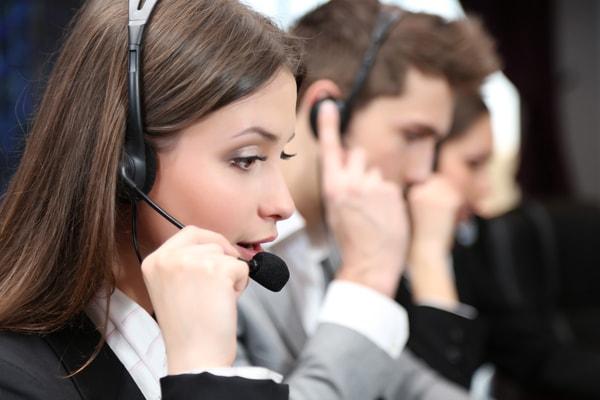 Technology versus human interpreters