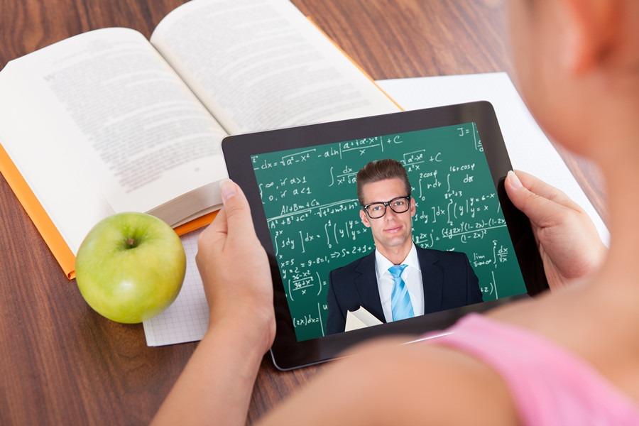 Conseils pour réussir sur le marché de l'apprentissage en ligne et des jeux vidéo grâce à la localisation